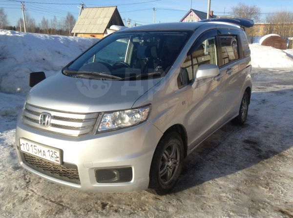 Honda Freed Spike, 2010 год, 600 000 руб.