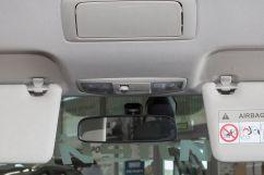 Подсветка: Лампа освещения салона для водителя и переднего пассажира, лампа освещения для задних пассажиров, штурманская лампа, лампа подсветки багажника