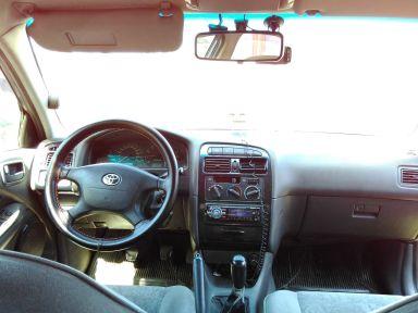 Toyota Avensis, 1999