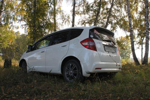 Honda Fit 2011 - отзыв владельца