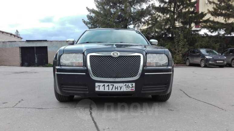 Chrysler 300C, 2005 год, 500 000 руб.