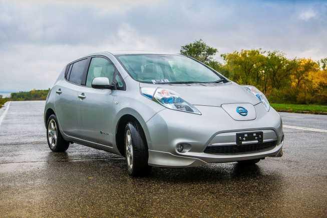 Nissan Leaf, 2011 год, 630 000 руб.