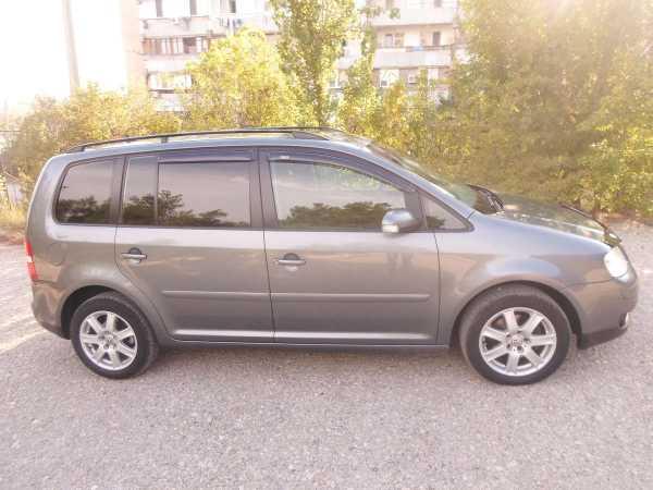 Volkswagen Touran, 2005 год, 380 000 руб.