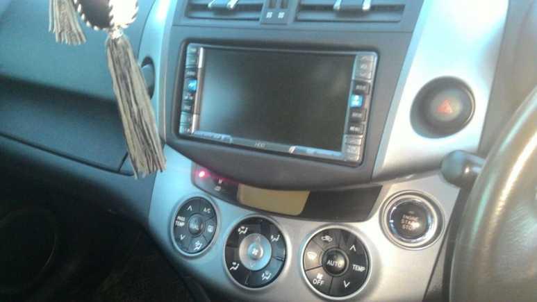 Toyota RAV4, 2006 год, 800 000 руб.