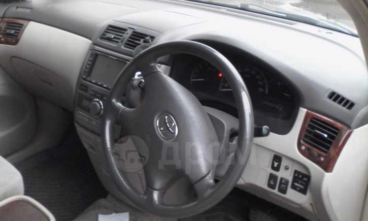 Toyota Ipsum, 2001 год, 399 000 руб.