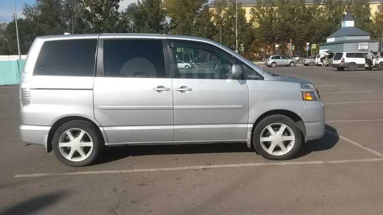 Toyota Voxy, 2006 год, 500 000 руб.