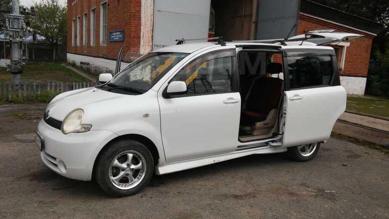Toyota Sienta, 2005 год, 335 000 руб.