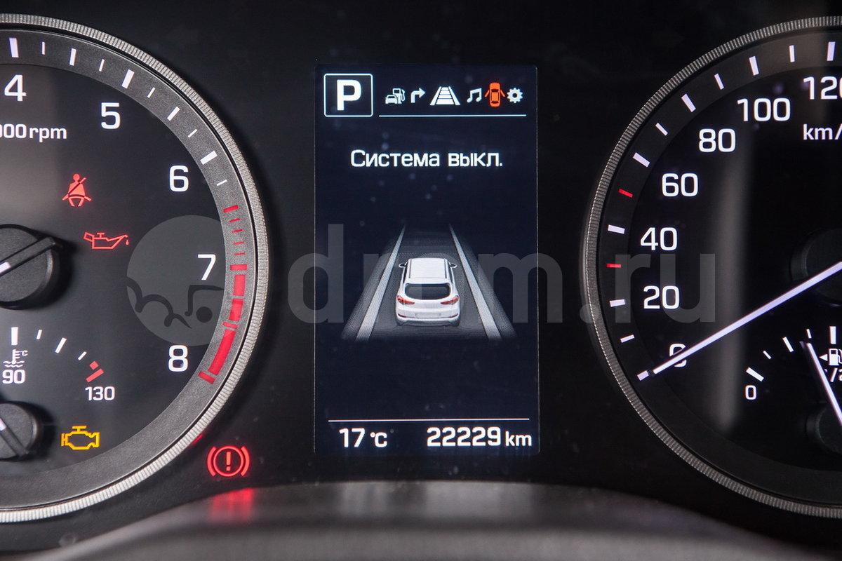 Система предотвращения выезда из полосы движения (LKA): опция