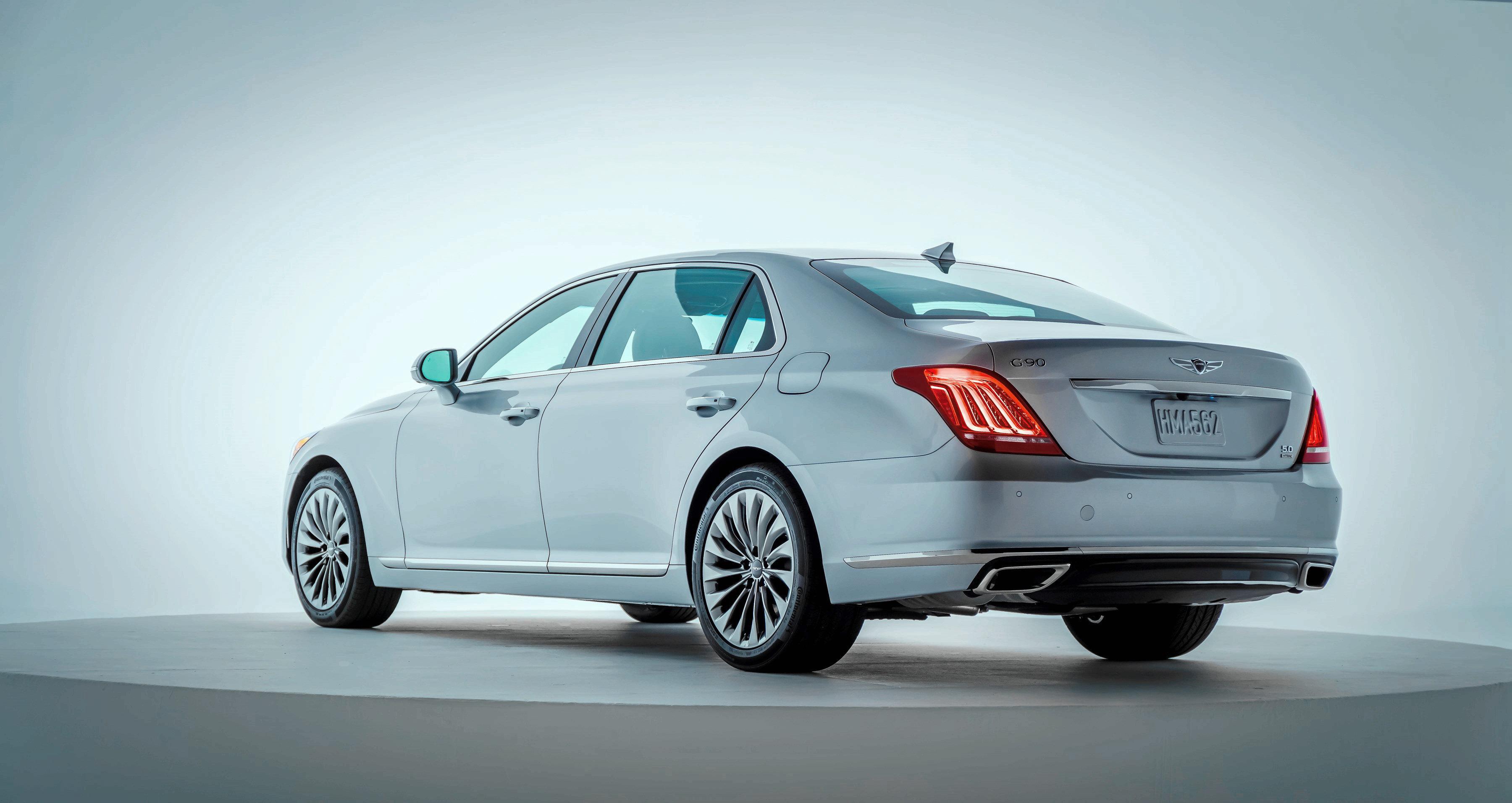 корейский премиум седан Genesis G90 оценили в 445 млн рублей за