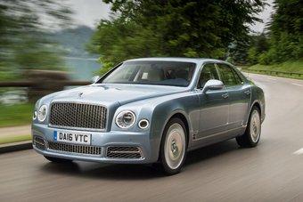 Спрос на автомобили Bentley в РФ продолжают расти. За 9 месяцев россияне приобрели 236 автомобилей этой марки вместо 159 единиц в этот же период годом ранее.