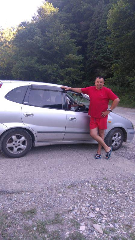 Nissan Tino 1998 - отзыв владельца