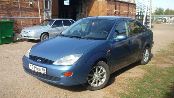 Ford Focus 2001 - отзыв владельца