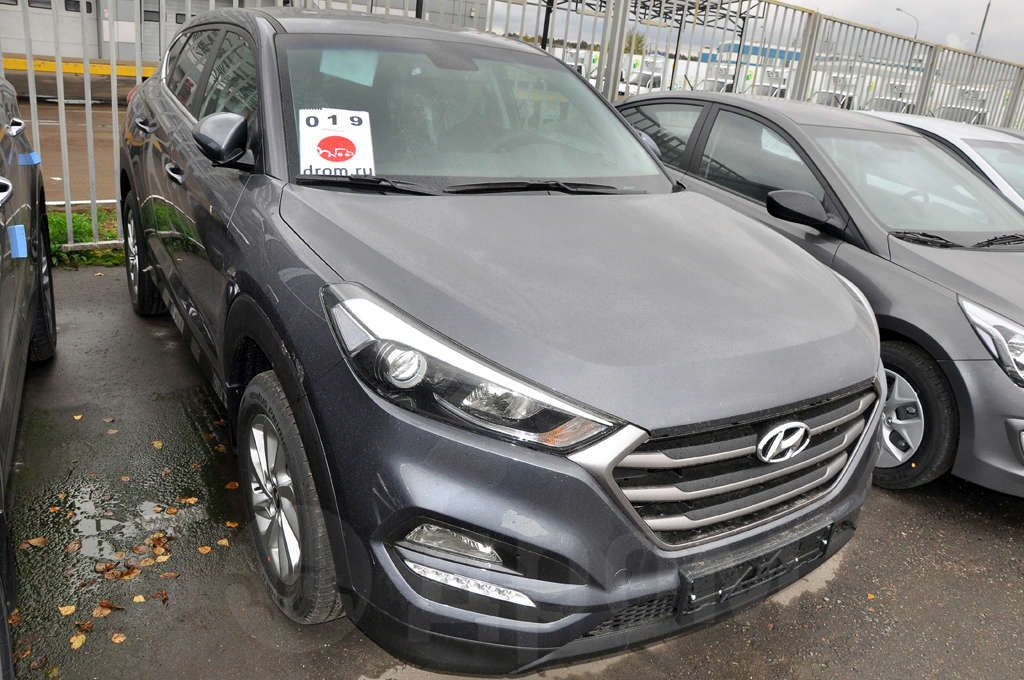 hyundai tucson 2 0 at 4wd crdi comfort. Black Bedroom Furniture Sets. Home Design Ideas