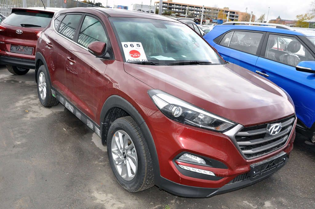 hyundai tucson 2 0 at 4wd comfort. Black Bedroom Furniture Sets. Home Design Ideas