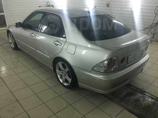 Toyota Altezza, 2002 год, 390 000 руб.