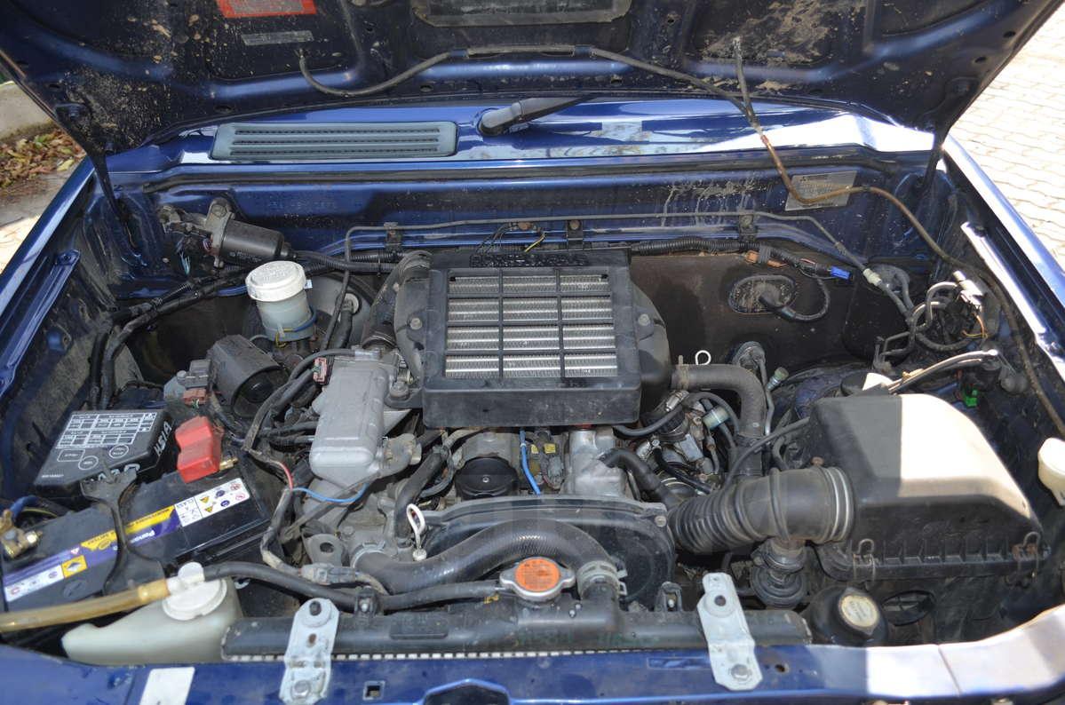 mitsubishi pajero mini установлен трёхцилиндровый двигатель