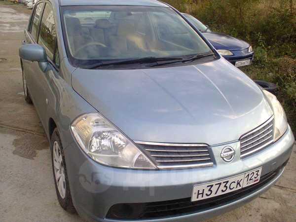 Nissan Tiida Latio, 2004 год, 307 000 руб.