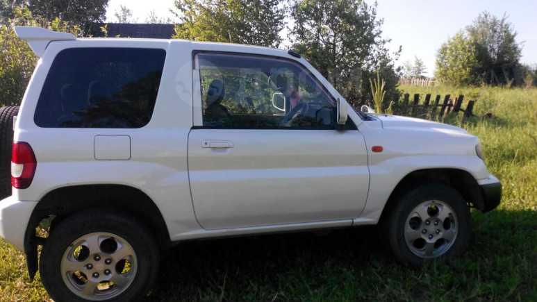 Mitsubishi Pajero iO, 2001 год, 240 000 руб.