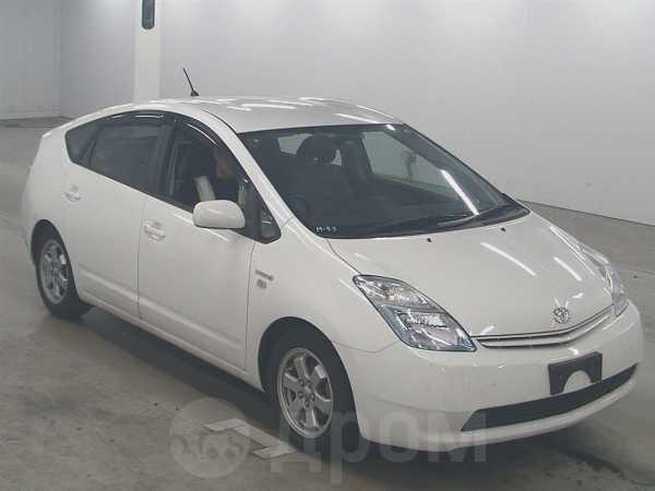 Toyota Prius, 2011 год, 590 000 руб.