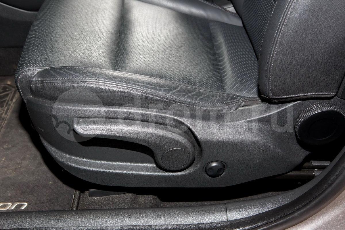 Регулировка передних сидений: Механическая, сиденье водителя с регулировкой высоты