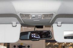 Подсветка: Внутрисалонное освещение для задних пассажиров, внутрисалонное освещение для водителя и переднего пассажира