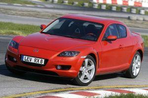 Mazda отзывает RX-8 из-за утечки топлива