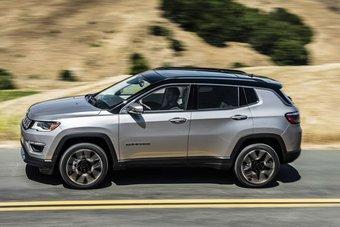 На рынке США кроссовер заменит сразу две модели — пользовавшийся ограниченным спросом Compass первого поколения и Jeep Patriot.