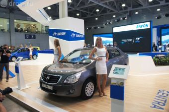 Ravon R4 отличается от Chevrolet Cobalt новой решеткой радиатора и наличием системы ЭРА-ГЛОНАСС.