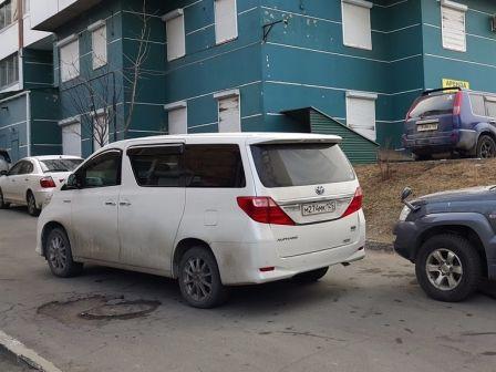 Toyota Alphard 2012 - отзыв владельца