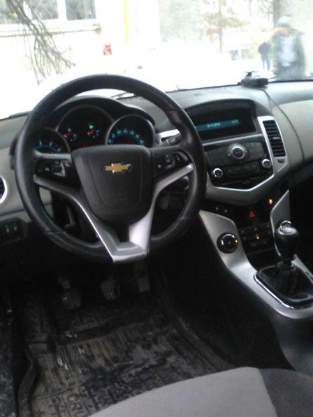 Chevrolet Cruze 2011 - отзыв владельца