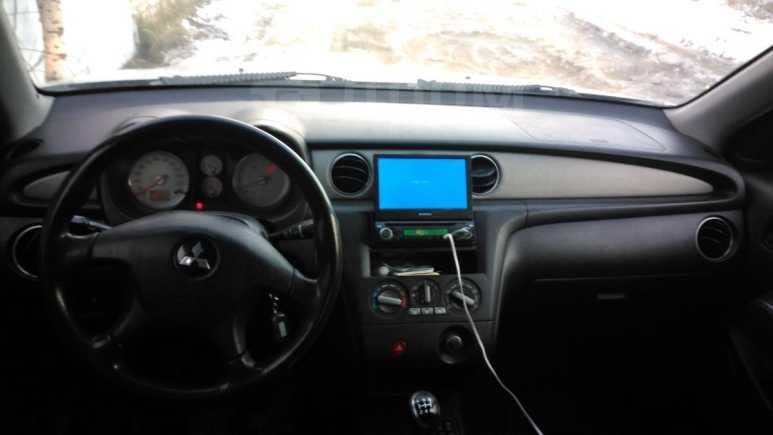 Mitsubishi Outlander, 2004 год, 399 000 руб.