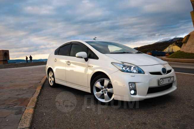 Toyota Prius, 2010 год, 749 000 руб.