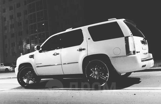 Cadillac Escalade, 2011 год, 1 750 000 руб.