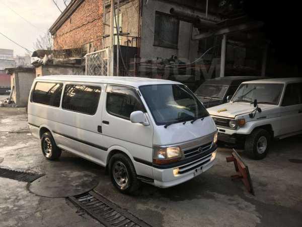 Toyota Hiace, 1998 год, 390 000 руб.