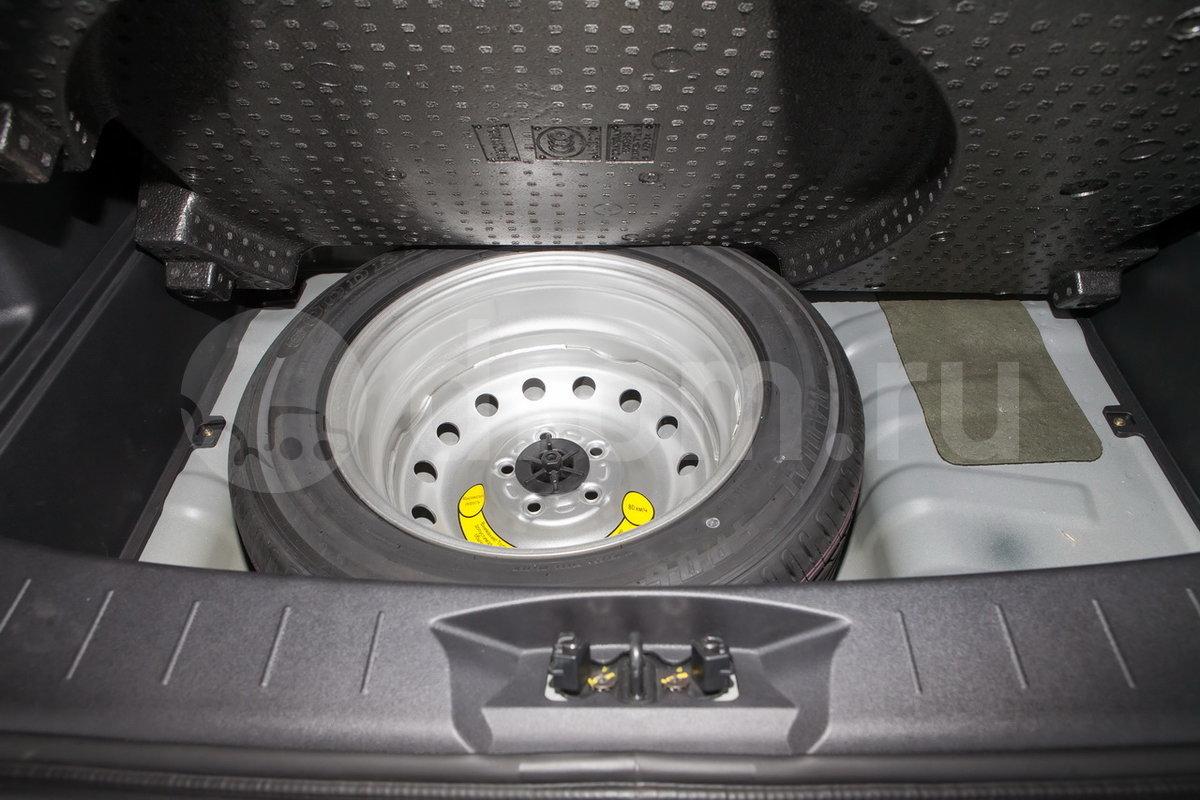 Запасное колесо неполноразмерное: да