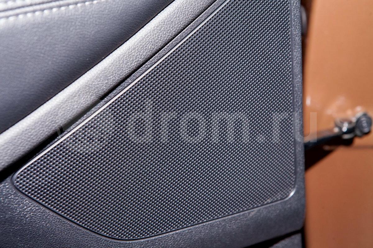 Дополнительное оборудование аудиосистемы: 6 динамиков, AUX, USB, SD-карта