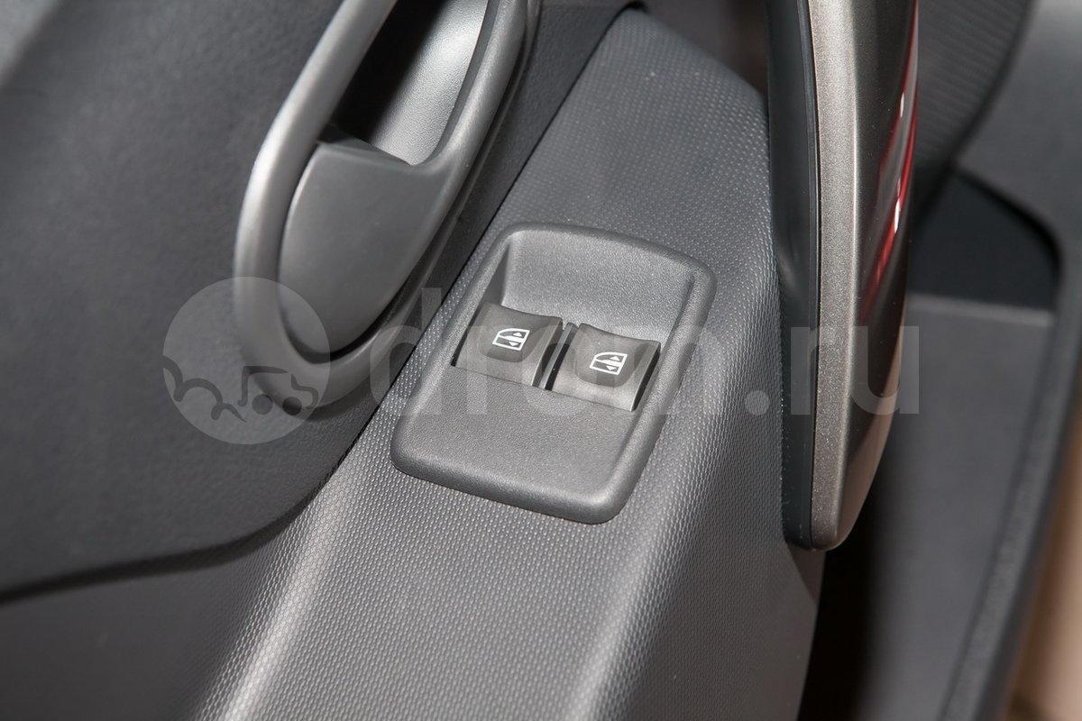 Электрические стеклоподъемники передние: да