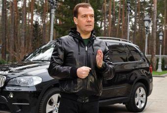 медведев в калужской области чиновники на бентли