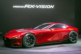 В 2015 году считалось, что новый спорткар с роторным двигателем появится уже в 2017 году — к 50-летию первой серийной модели Mazda с РПД (Mazda Cosmo).