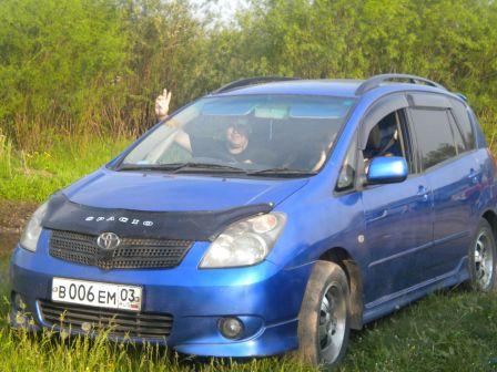 Toyota Corolla Spacio 2001 - отзыв владельца