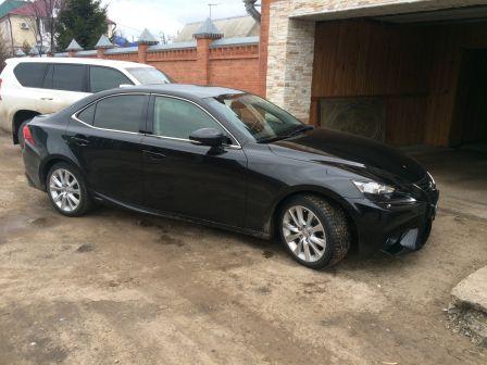 Lexus IS300h 2013 - отзыв владельца