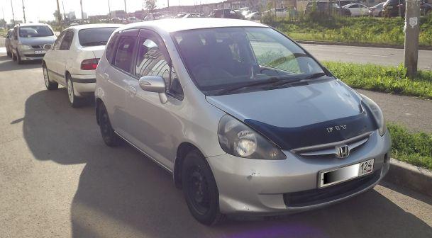 Honda Fit 2007 - отзыв владельца