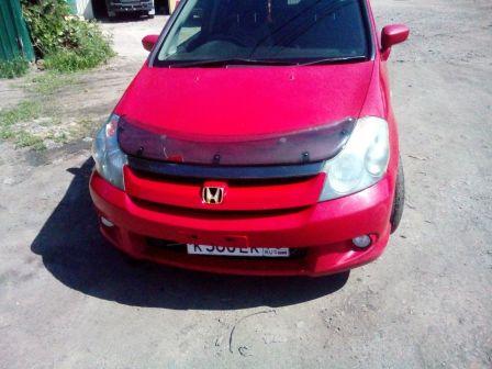 Honda Stream 2004 - отзыв владельца