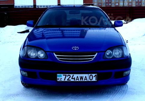 Toyota Avensis 1999 - отзыв владельца