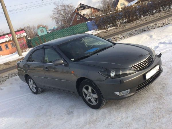 Toyota Camry, 2005 год, 499 000 руб.