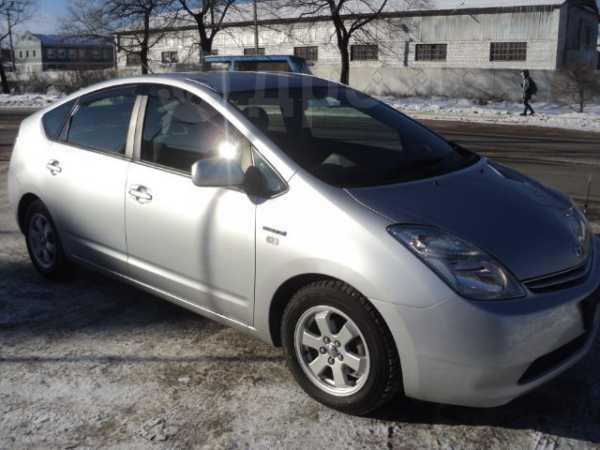 Toyota Prius, 2011 год, 585 000 руб.