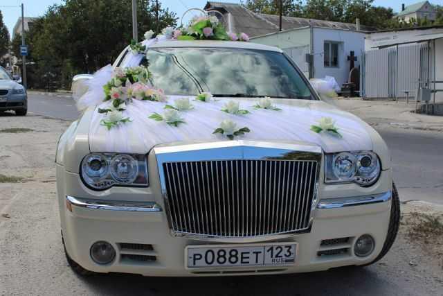 Chrysler 300C, 2007 год, 680 000 руб.