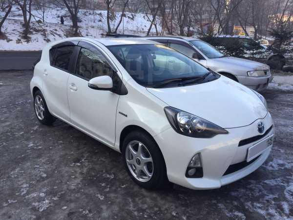 Toyota Aqua, 2012 год, 545 000 руб.