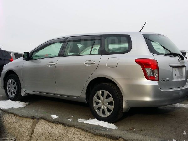 Toyota Corolla Fielder, 2011 год, 580 000 руб.
