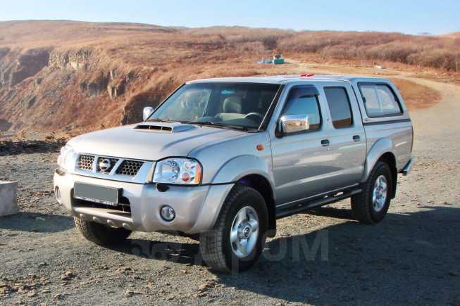 Nissan NP300, 2012 год, 870 000 руб.